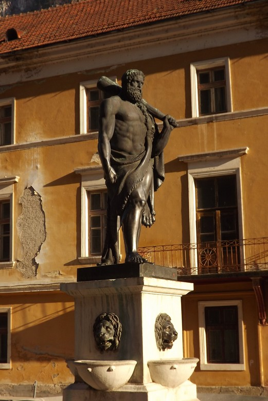 statuia lui Hercules